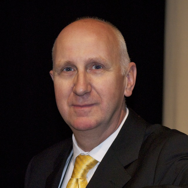 Craig Clunas